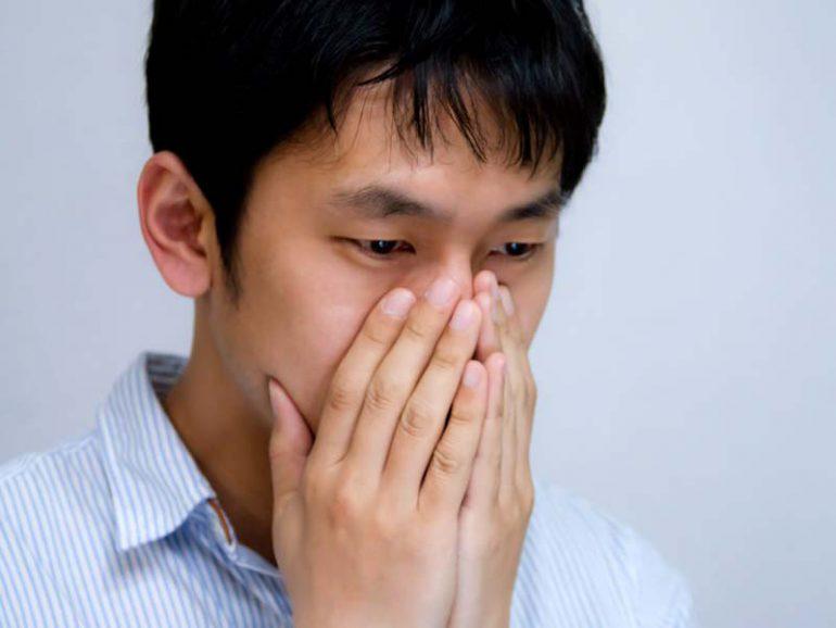 鼻の中(鼻の奥)・鼻水が臭い原因と治療法