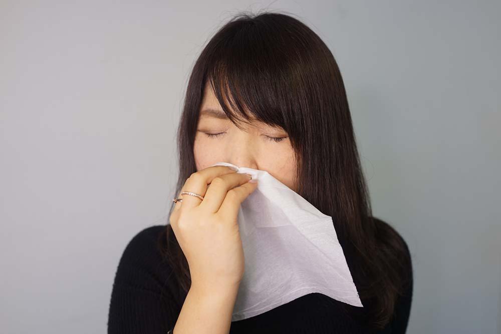 鼻水の色・状態から探る原因と、黄色い鼻水の原因・検査・治療法